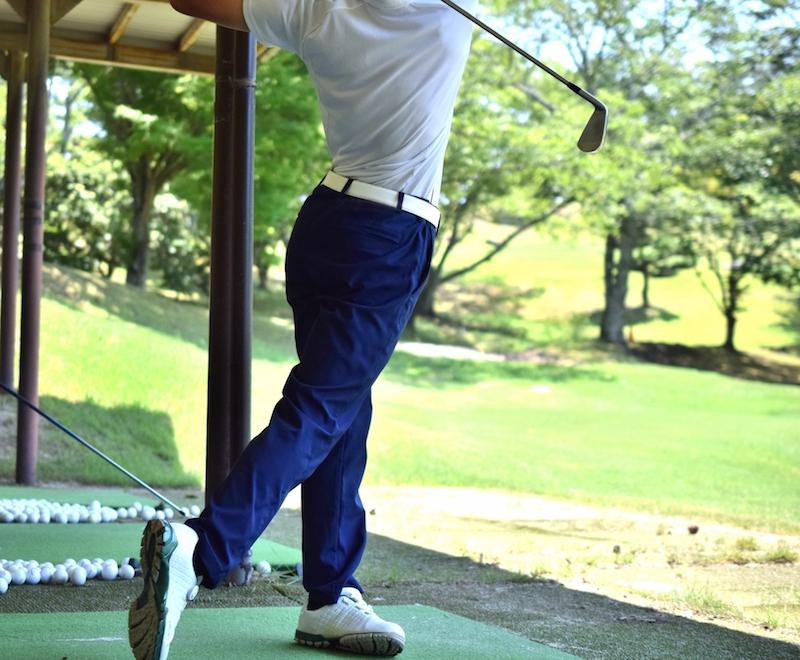 ゴルフ練習場の集客力をアップ! 寒さ対策にはハイカロリーの大型ストーブ