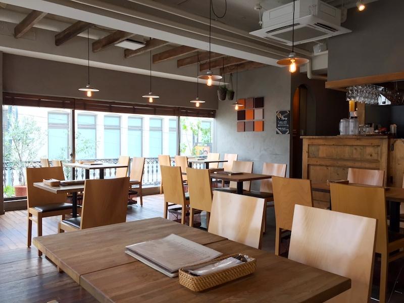 カフェ店内_イメージ